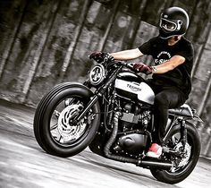 'Black Bulldog' by K-Speed Customs 👌🏻👌🏻👌🏻 #bonneville #triumph #caferacer #triumphbonneville #caferacers #caferacersunited #caferacerstyle #caferacersofinstagram #caferacersociety #motorrad #motor #motorcycle #bike #biker #bikelife #life #picture #picoftheday #rider #ride #vintage #cool #nice #like #awesome #custom…