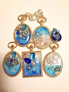 Polymer Clay Jewelry, Resin Jewelry, Jewelry Crafts, Resin Art, Uv Resin, Custom Jewelry, Handmade Jewelry, Diy Resin Crafts, Kawaii Accessories