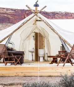 Glamping at Moab Under Canvas, Utah. Reserve a #SafariTent , which comes complete with your choice of king size bed or 2 twin beds.