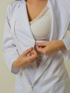 Doctor White Coat, Lab Coats For Men, Doctor Scrubs, Doctor Assistant, Medical Uniforms, Medical Scrubs, Nursing Dress, Muslim Women, Korean Girl
