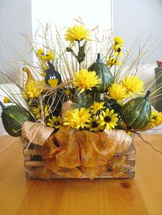 Fall Centerpiece, Fall Table Arrangement, Yellow Floral, Fall Leaves and Gourds for Thanksgiving Decor.