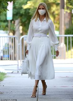 All White Outfit, White Outfits, Classy Outfits, Royal Fashion, Star Fashion, Fashion Outfits, Womens Fashion, Fashion News, Ivanka Trump Style