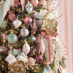 Rose Gold Christmas Tree, Farmhouse Christmas Ornaments, Beautiful Christmas Trees, Victorian Christmas Tree, Christmas Tree Ribbon, Pink Christmas Ornaments, Xmas Trees, Glass Ornaments, White Christmas