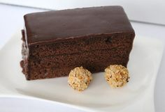 Rich chocolate cake without Turkish Recipes, Indian Food Recipes, Sacher Wien, Afternoon Tea, Cake Recipes Without Oven, Images Of Chocolate, Venezuelan Food, Black Forest Cake, Cake Online