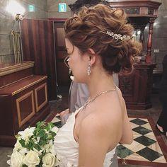 今日も素敵な人に出逢えました☺️ Bride Hairstyles, Vintage Hairstyles, Hairstyles With Bangs, Bang Hairstyles, Mother Of The Bride Hair, Vintage Lace Weddings, Makeup Rooms, Bridal Hair, My Hair