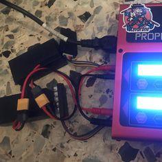 Ce Soir C Est Soiree Disco Oui On Peut Charger Plusieurs Batteries Lipo Du Parrot Disco Sans Utiliser Le Chargeur Tou In 2020 Mp3 Player Electronic Products Players