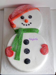 Christmas Cupcake Cake, Christmas Birthday Cake, Christmas Cake Designs, Christmas Cake Decorations, Christmas Sweets, Holiday Cakes, Christmas Cooking, Christmas Goodies, Snow Cake