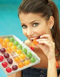 Revista Teen: Receita de bala de gelatina My Recipes, Sweet Recipes, Healthy Recipes, Peanut Brittle, Candy Buffet, Christmas Desserts, Cooking Time, Healthy Choices, Food Hacks
