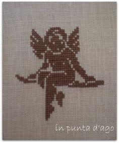 in punta d'ago Filet Crochet, Cross Stitch Designs, Cross Stitch Patterns, Monks Cloth, Cross Stitch Angels, Le Point, Christmas Art, Cross Stitching, Needlework