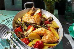 Das Rezept für Hähnchenschenkel und Ofentomaten mit allen nötigen Zutaten und der einfachsten Zubereitung - gesund kochen mit FIT FOR FUN