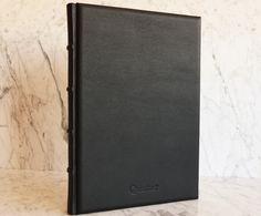 Il Libro Firme di Quotus trova la sua naturale collocazione a matrimoni, feste, eventi speciali e compleanni, ma può essere usato anche in occasione di mostre e inaugurazioni, nei musei per raccogliere le dediche dei visitatori o nei ristoranti per riordinare le prenotazioni dei tavoli.