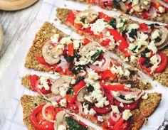 Buchweizenpizza liefert wertvolle Mineralien wie Zink, Lecithin oder auch Vitamin B. Für alle Menschen mit Glutenunverträglichkeit.  JETZT bei Readly lesen:   KÜCHENZAUBER 02 2016 - Seite 19