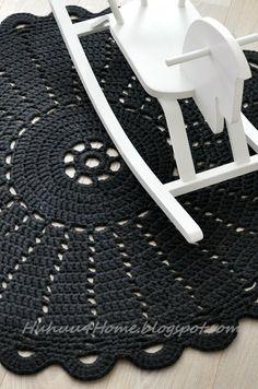 crochet rugs i love this sooooooo much! Crochet Diy, Crochet Home Decor, Love Crochet, Crochet Crafts, Crochet Projects, Crochet Rug Patterns, Crochet Motif, Crochet Doilies, Crochet Rugs