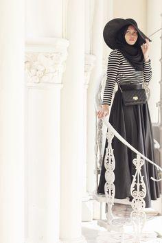 Striped and Black  /  In My Shawls Blog / Inspiration for Hijab, hijab fashion, hijab style