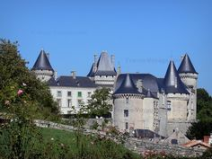 Confolens: A charming medieval town situated at the confluence of the Vienne and Goire rivers - France-Voyage.com