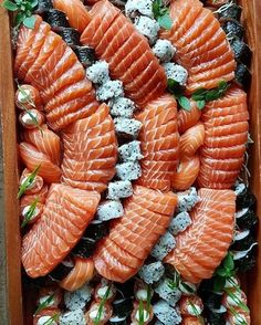 - January 15 2019 at - and Inspiration - Yummy Fatty Meals - Comfort Foods Recipe Ideas - And Kitchen Motivation - Delicious Steaks - Food Addiction Pictures - Decadent Lifestyle Choices My Sushi, Sushi Love, Best Sushi, Sake Sushi, Japanese Buffet, Japanese Food, Japanese Desserts, Salmon Sashimi, Romantic Dinner Recipes