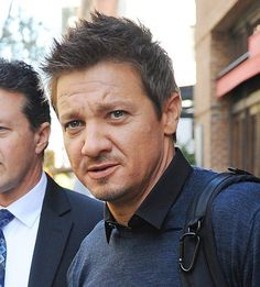 "Jeremy Renner's ""Avengers"" character was almost part of the Captain America sequel if not for a conflict with his schedule. Description from spanish.fansshare.com. I searched for this on bing.com/images"