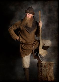 Vikings by Jim Lyngvild, costumes are all handmade and original Viking Garb, Viking Reenactment, Viking Men, Viking Dress, Viking Life, Medieval Life, Medieval Fantasy, Larp, Medieval Peasant