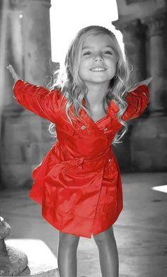 such a little fashionista Beautiful Children, Beautiful Babies, Gorgeous Girl, Little Girl Fashion, Kids Fashion, Little Girl Photos, Cute Kids, Cute Babies, Kind Photo