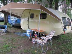 Vintage Campers Trailers, Vintage Caravans, Camper Trailers, Retro Caravan, Camper Caravan, Retro Camping, Van Camping, Airstream Bambi, Teardrop Camper Trailer