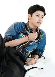 Park Solomon (박솔로몬) - Picture @ HanCinema :: The Korean Movie and Drama Database Drama Korea, Korean Drama, Handsome Korean Actors, Lee Hyun, Love Park, Korea Boy, Dear Future Husband, Kdrama Actors, Asian Actors