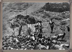 Gran Canaria - La aldea San Nicolas - año 1950..... #canariasantigua #blancoynegro #fotosdelpasado #fotosdelrecuerdo #recuerdosdelpasado #fotosdecanariasantigua #islascanarias #tenerifesenderos