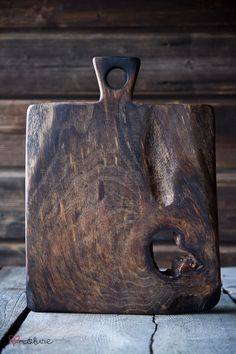 vintage style chopping and cutting board
