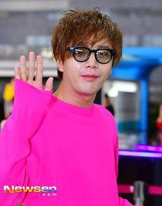 The Eels Family: [Pics] Jang Keun Suk leaves Gimpo for Haneda - 2017-04-26