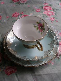 Vintage teacup | by Hummingbird Vintage Hire