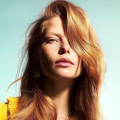 Tiistain #hiusgoal: beach hair  Suihki rantakampaus rouheaksi sokerisuihkeella ja vedä sivujakaus. Miltei täydellistä   via ELLE FINLAND MAGAZINE OFFICIAL INSTAGRAM - Fashion Campaigns  Haute Couture  Advertising  Editorial Photography  Magazine Cover Designs  Supermodels  Runway Models