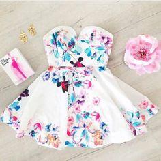 Dress: sweetheart neckline sweetheart mini skater mini floral floral