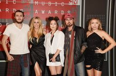 Pin for Later: See All the Stars on This Year's MTV VMAs Red Carpet! Billy Ray Cyrus, Tish Cyrus, Noah Cyrus, Brandi Cyrus, and Braison Cyrus