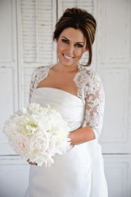 Bobbie Thomas' Wedding dress. Love it so simple and yet a stunner!!!