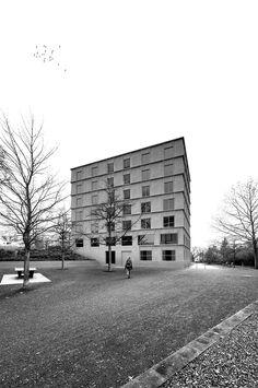 Graue Häuser ohne Kompromisse - Wettbewerb für Studentenwohnheim in Weimar entschieden
