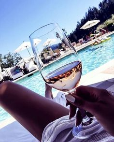 Find images and videos about summer, luxury and pool on We Heart It - the app to get lost in what you love. Wine Pics, Wine Photography, Lifestyle Photography, Woman Wine, Relaxing Bath, Luxe Life, Holiday Pictures, Summer Baby, Dream Life