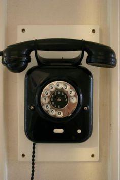Antieke telefoon jaren 20-30 bakeliet metaal GERESTAUREERD
