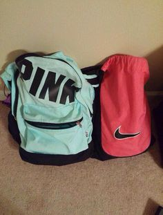 """She told me to grab her pink bag & I've never been more confused in my entire life"""