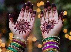 New Mehndi Designs for Eid Day For Young Girls. Here are some of these new Mehndi designs which are specially made for the occasion of Eid. Eid Mehndi Designs, Circle Mehndi Designs, Eid Special Mehndi Design, Round Mehndi Design, Mehndi Designs For Girls, Henna Designs Easy, Beautiful Mehndi Design, Latest Mehndi Designs, Mehndi Patterns