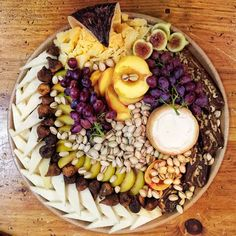 cheese platter 9 - This autumnal platter features Cabra Raiano (goat, Portugal)… Meat And Cheese Tray, Charcuterie And Cheese Board, Cheese Fruit, Cheese Platters, Cheese Boards, Tapas Recipes, Real Food Recipes, Recipies, Date And Walnut Cake
