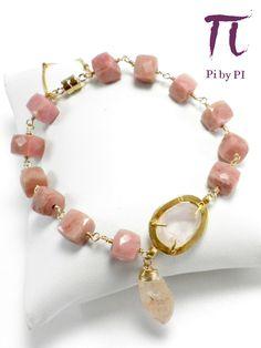 Pulsera de ópalo de Perú rosa y cuarzo rosa con cierre imán en oro gold filled y cadena de seguridad.