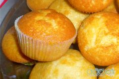 Muffins, Food And Drink, Cupcakes, Menu, Sweets, Lunch, Candy, Cream, Baking