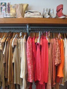 Zoek jij nog kleding in de kleur Oranje? @Season Scheirer is genoeg :)