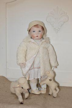 Fot o van pop: Willenelleke voor het blad : Teddybears en poppen (Nelleke Hoffland)