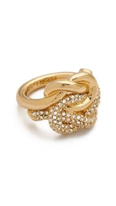 Gorgeous knot ring