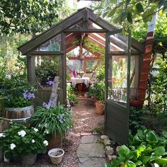 Combination greenhouse and sitting room I love it! - Greenhouse - Ideas of Gre. - Combination greenhouse and sitting room I love it! – Greenhouse – Ideas of Greenhouse - Diy Greenhouse Plans, Backyard Greenhouse, Backyard Landscaping, Landscaping Design, Greenhouse Wedding, Small Greenhouse, Greenhouse Film, Underground Greenhouse, Sloped Backyard
