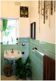The art deco style is more present than ever today. People are interested in this 20th centubry's style and usually design their bathrooms this way. But what is the art deco actually? What do you need to make your bathroom in this style?