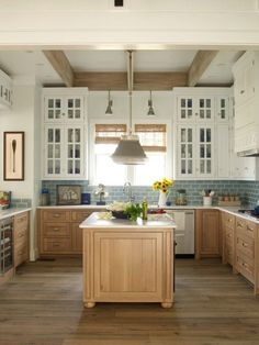 Best Home Decorating Ideas Stunning 77 Chic Beach House Interior Design Ideas And Decorations Using Kitchen Redo, Home Decor Kitchen, Kitchen Interior, New Kitchen, Home Interior Design, Kitchen Remodel, Modern Interior, Kitchen Ideas, Country Kitchen