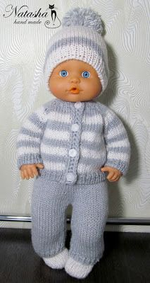 Baby Knitting Patterns Free Newborn, Barbie Knitting Patterns, Knitted Doll Patterns, Knitting Dolls Clothes, Baby Cardigan Knitting Pattern, Doll Clothes Patterns, Baby Patterns, Tricot Baby, Baby Born Clothes