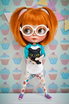 blythe with glasses and orange hair