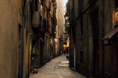 Barcelona Gothic Quarter Alleyway